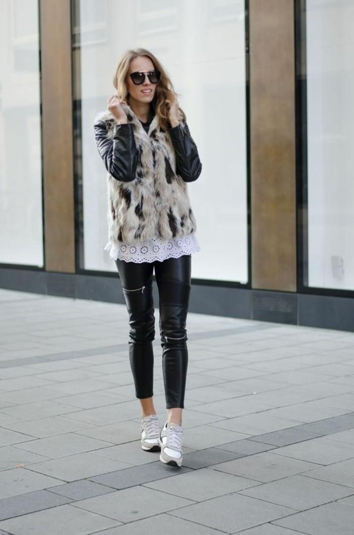 sneakers-beiges-pantalon-en-cuir-noir-pantalon-slim-cheveux-balayage