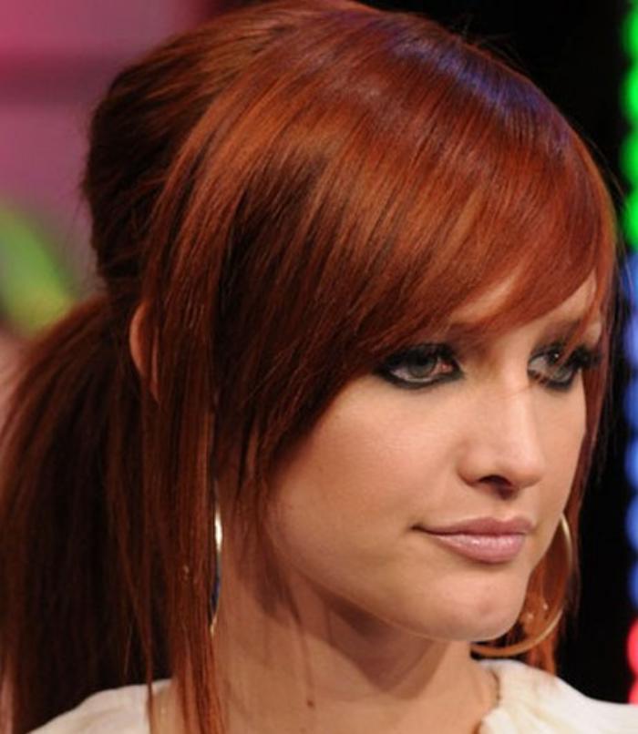 teinture-acajou-donner-aux-cheveux-une-nuance-rousse