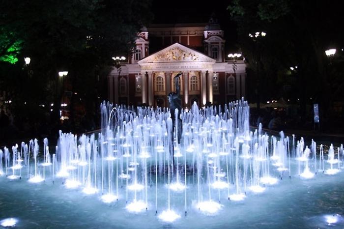 theatre-ivan-vasov-vue-nuitee-bulgarie-vacances-visite-bulgarie-