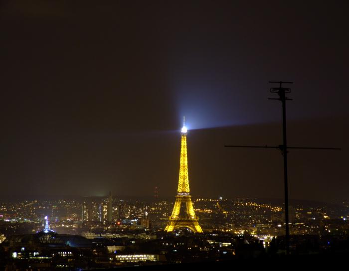 tour-еiffel-illuminée-les-lumières-Paris