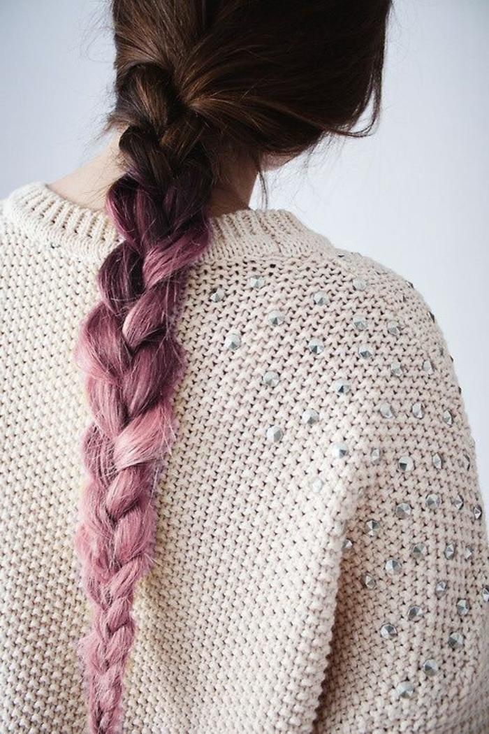 tresse-coiffure-cheveux-marrons-avec-accents-en-rose-tendance-coiffure-2016