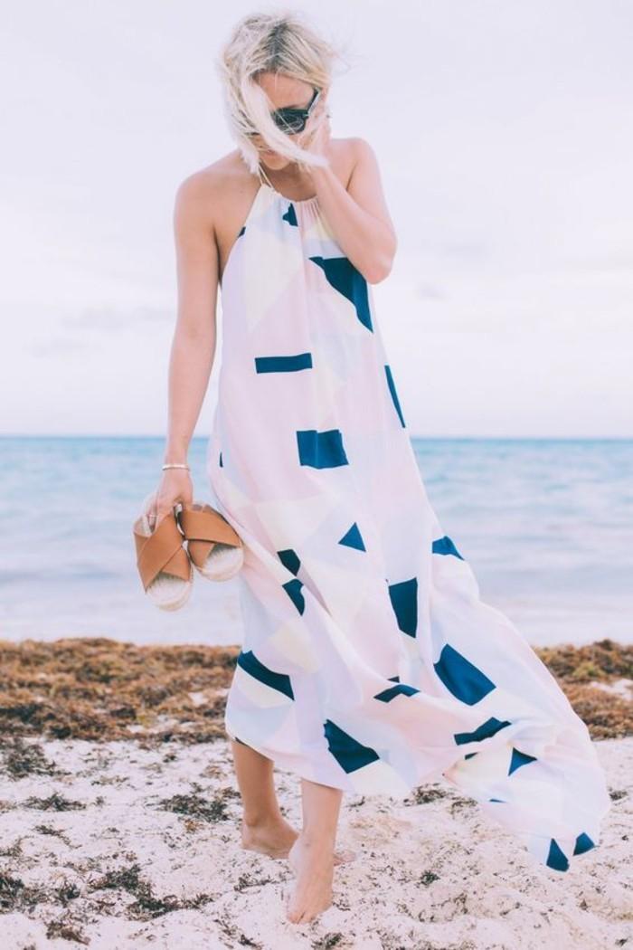 tunique-de-plage-grande-taille-chouette-idée-tenue-bleu-et-blanc