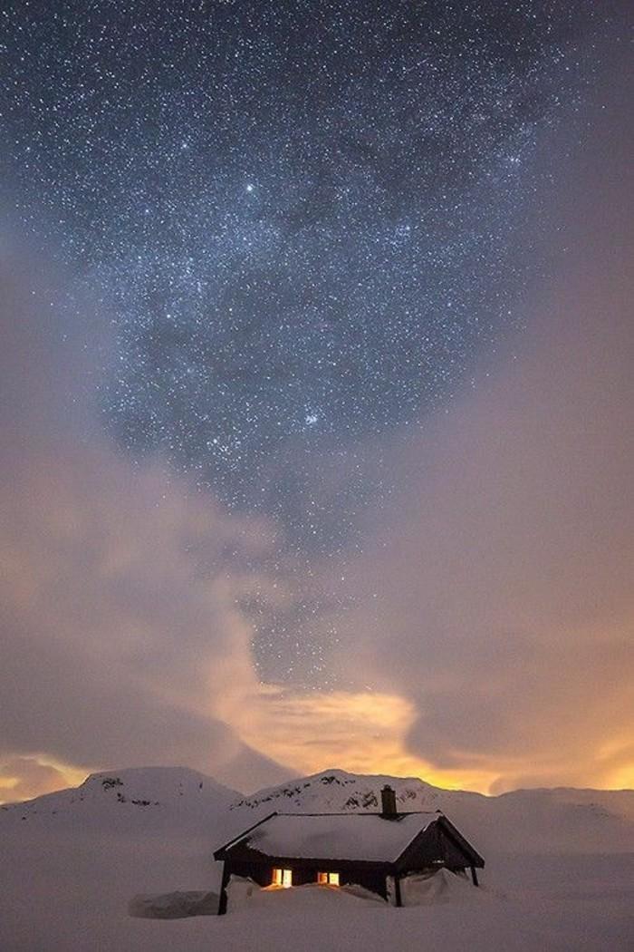 une-carte-du-ciel-gratuite-etoile-dans-le-ciel-image-hiver