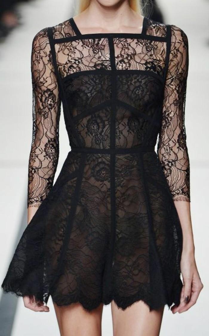 élégante-robe-noir-a-dentelle-cool-belle-femme