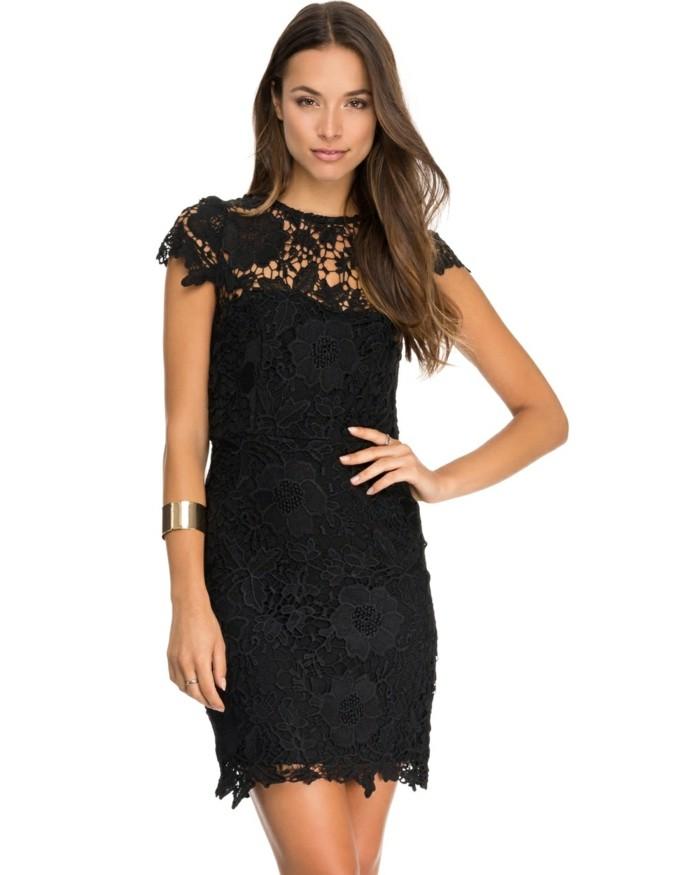 élégante-robe-noir-a-dentelle-cool-noire