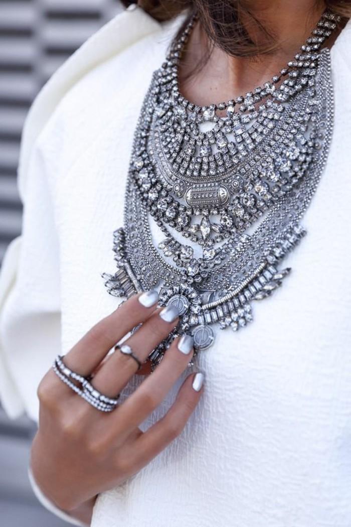 0-collier-plastron-pas-cher-argent-femme-pas-cher-les-dernières-tendances-chez-les-bijoux