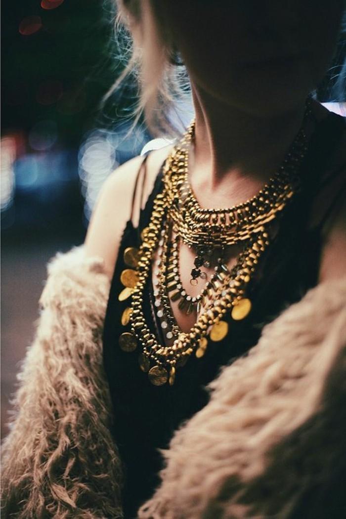0-gros-collier-femme-comment-porter-avec-style-le-collier-femme-bijoux-gemo-femme