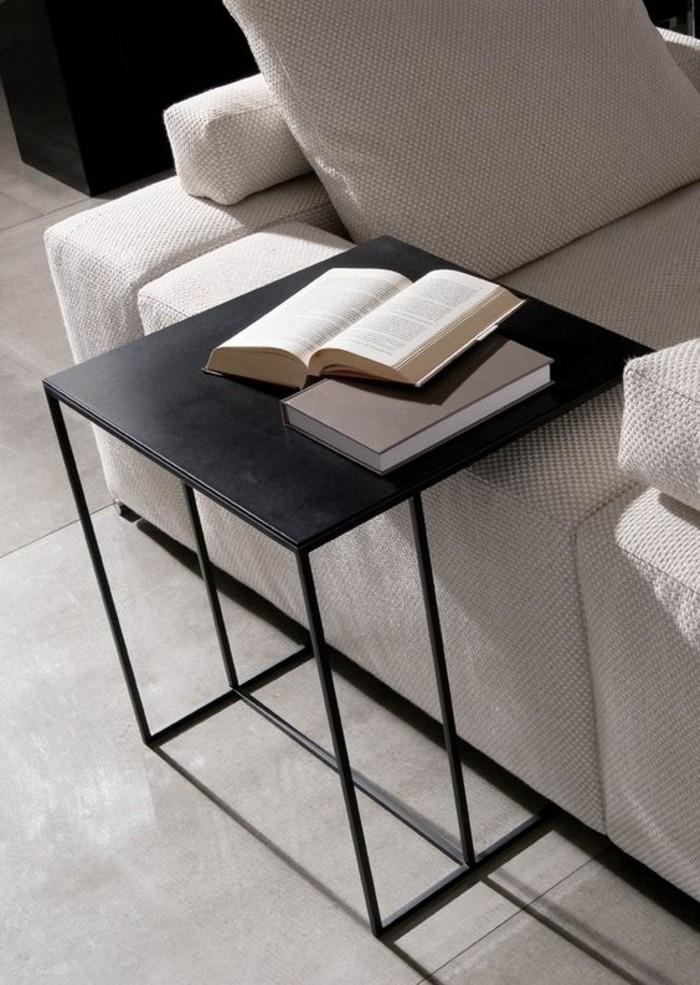 0-petite-table-d-appoint-en-fer-noir-pour-le-canapé-dans-le-salon-canapé-beige