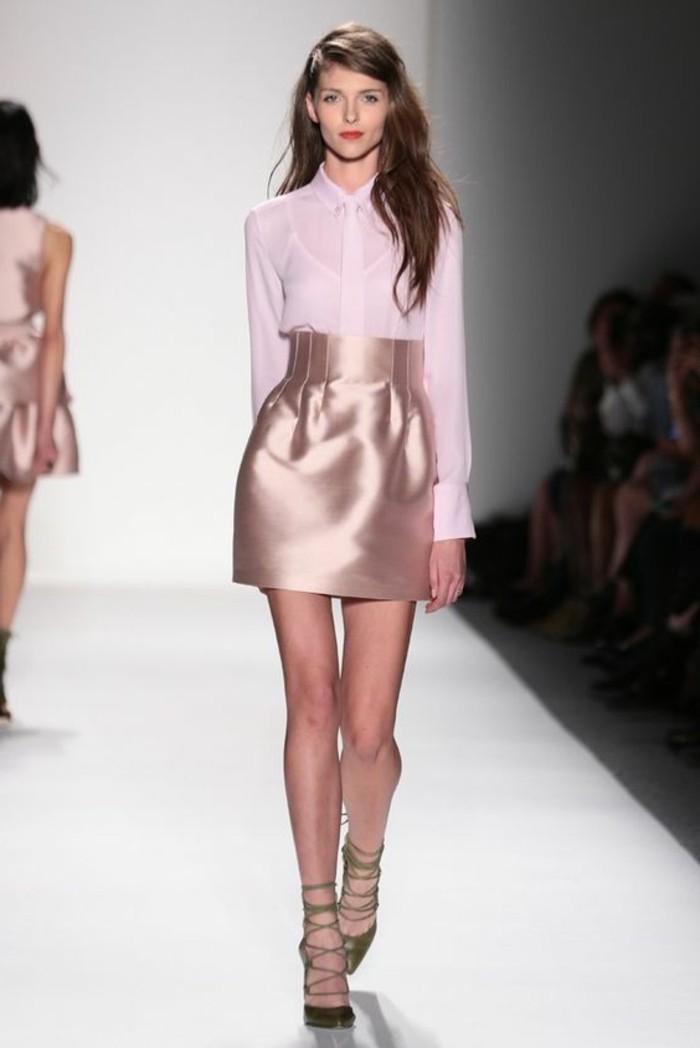 0-robe-de-soirée-pour-mariage-composée-par-chemise-rose-et-jupe-en-satin