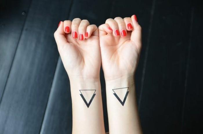 Le meilleur tatouage minimaliste trouvez votre mod le - Tatouage doigt signification ...