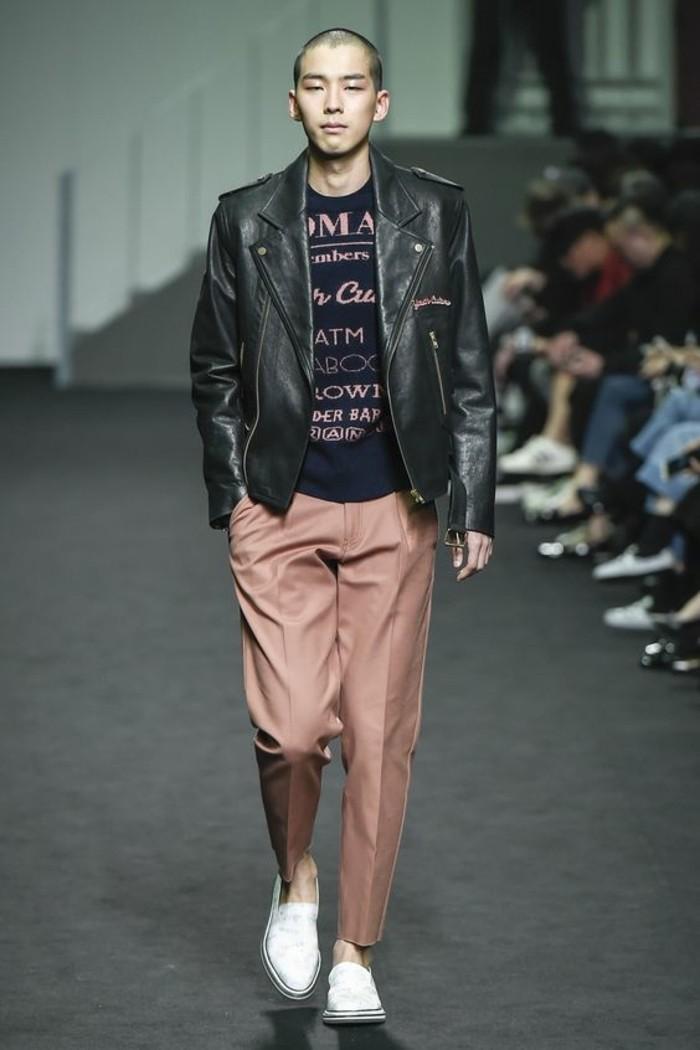 0-tendances-de-la-mode-chez-les-hommes-pantalon-elegant-beige-veste-homme-pas-cher