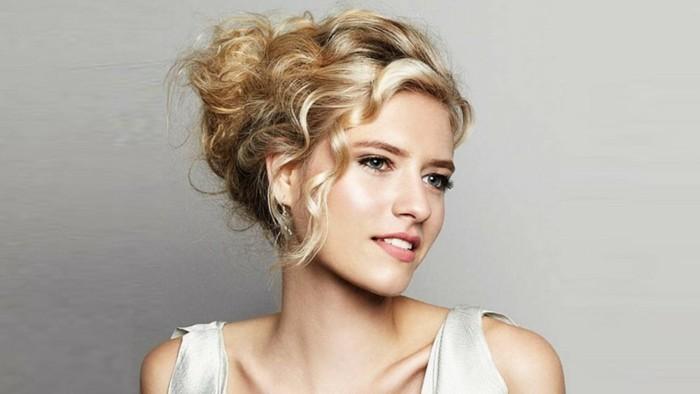 1-jolie-coiffure-pour-soirée-coupe-de-cheveux-resized