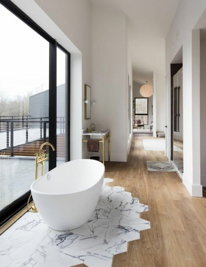 Comment cr er une salle de bain contemporaine 72 photos for Parquet hydrofuge salle de bain