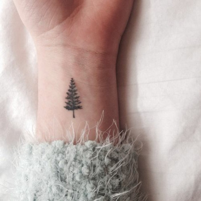 1-tatouage-minimaliste-tatouage-originaux-femme-les-plus-beaux-tatouages-femme