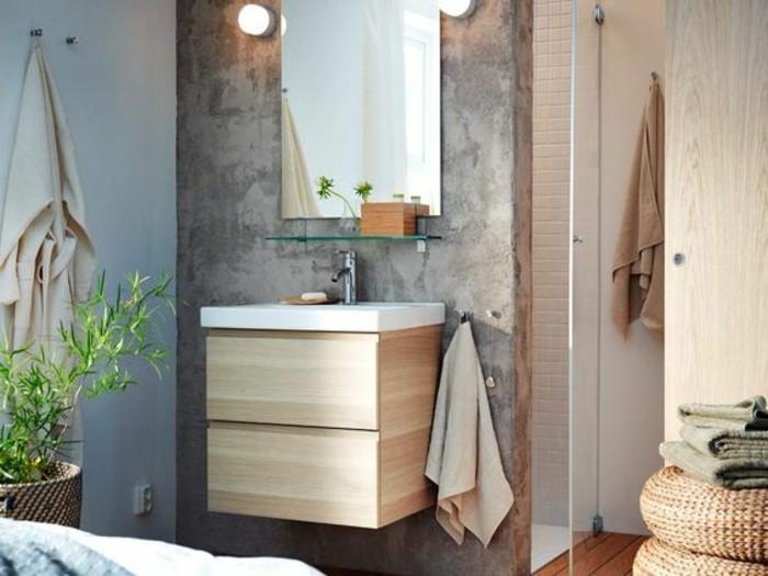 3-meuble-de-toilette-zen-en-bois-clair-salle-de-bain-bambou-mur-en-beton-ciré-miroir-de-bain