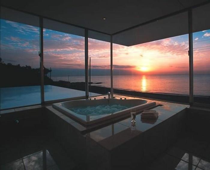 3-salle-de-bain-design-luxe-salle-de-bain-contemporaine-avec-grande-fenêtre-et-vue