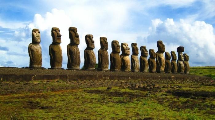 Maoi-Easter-Islands-voyages-loisirs-autrement-loisirs-et-voyages