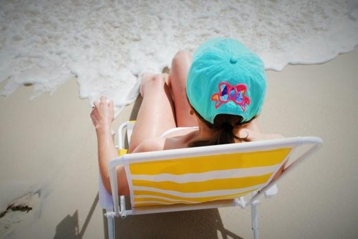 admirable-accessoir-casquette-homme-cool-idée-bord-de-la-mer