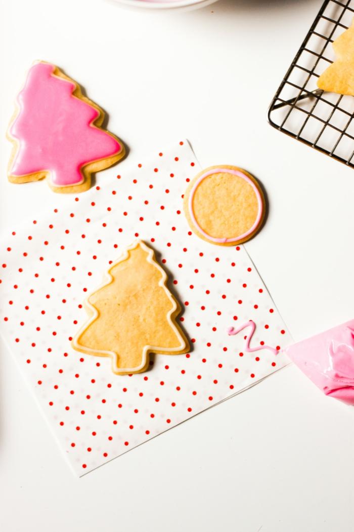 beau-décoration-comment-faire-des-biscuits-rose-et-cookie