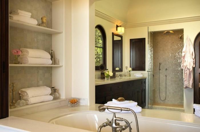 Int rieur classic et tr s chic l 39 aide de meuble colonial for Salle de bain coloniale