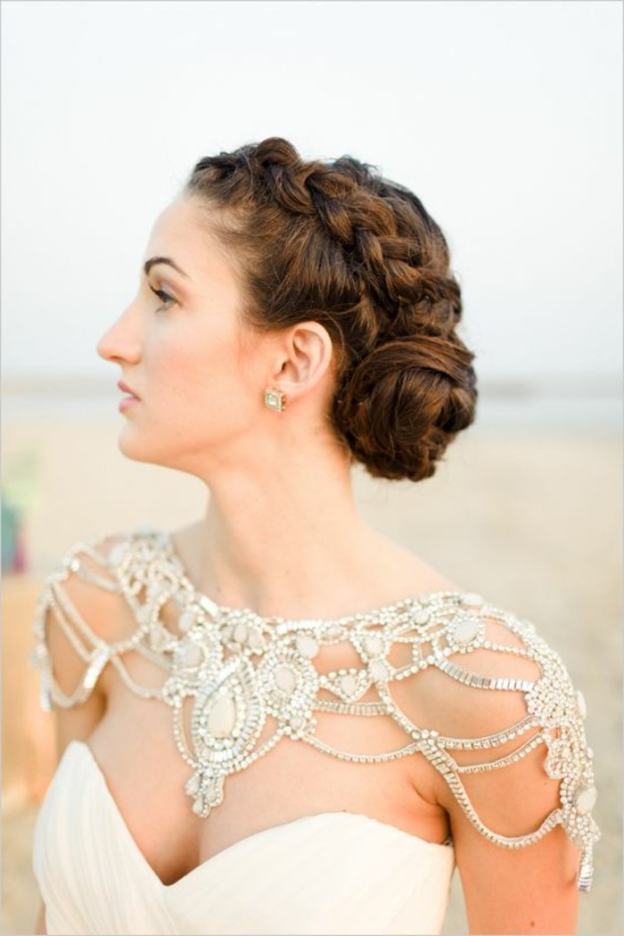beaux-bijoux-fantaisie-mariage-robe-une-idée