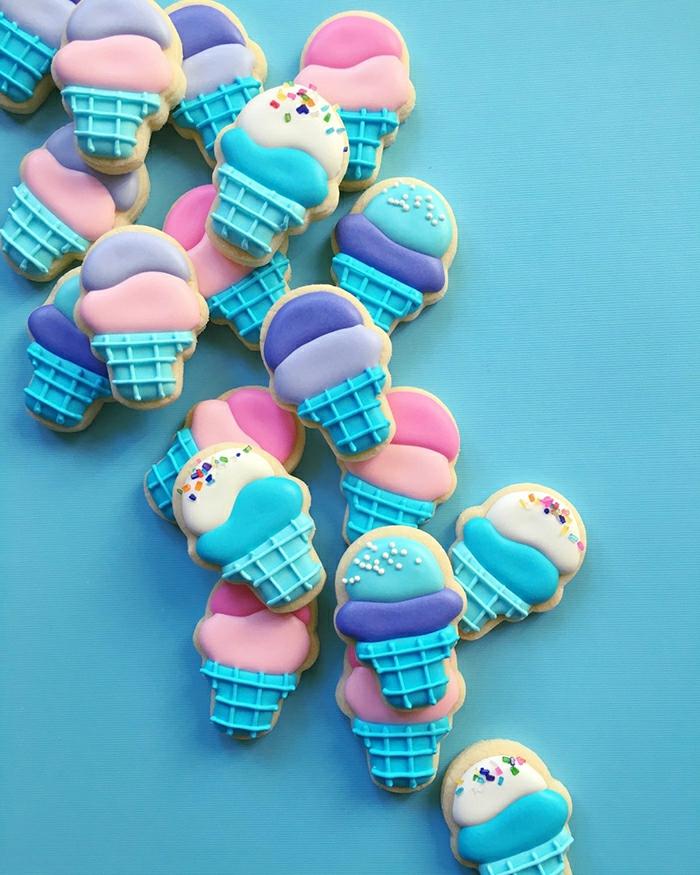 belle-déco-anniversaire-faire-des-biscuits-sables-beau