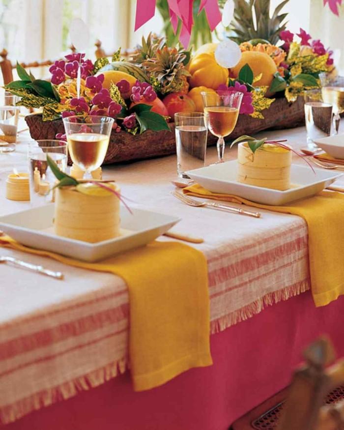 belle-décoration-table-anniversaire-adulte-table-fruits