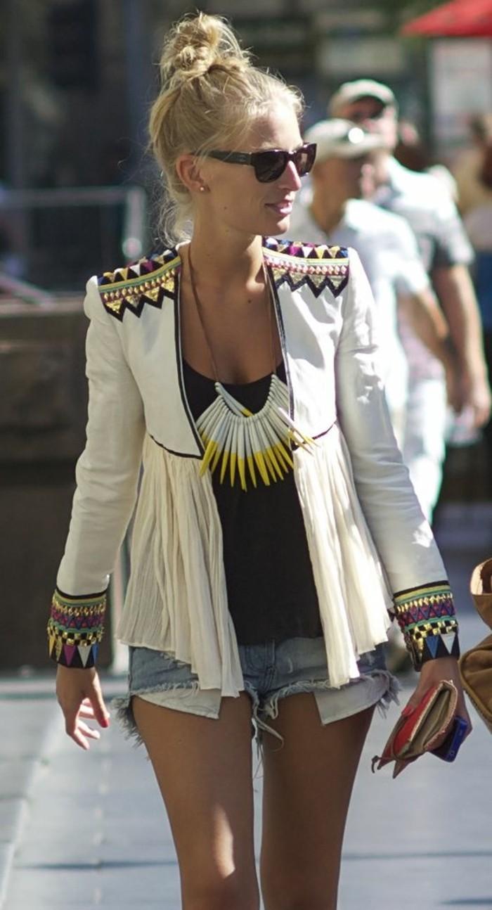 bijoux-collier-femme-comment-porter-du-style-le-gros-bijoux-femme