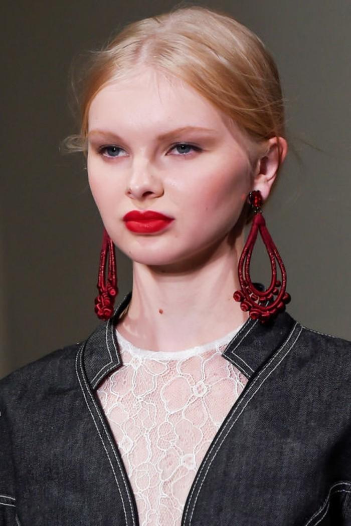bijoux-tendance-boucles-d'-oreilles-rouges-grandes-comme-des-gouttes-resized