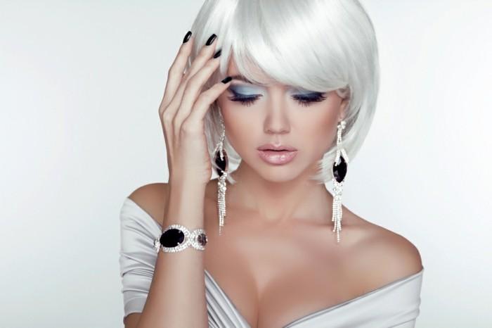 bijoux-tendance-boucles-d'-oreilles-et-bracelet