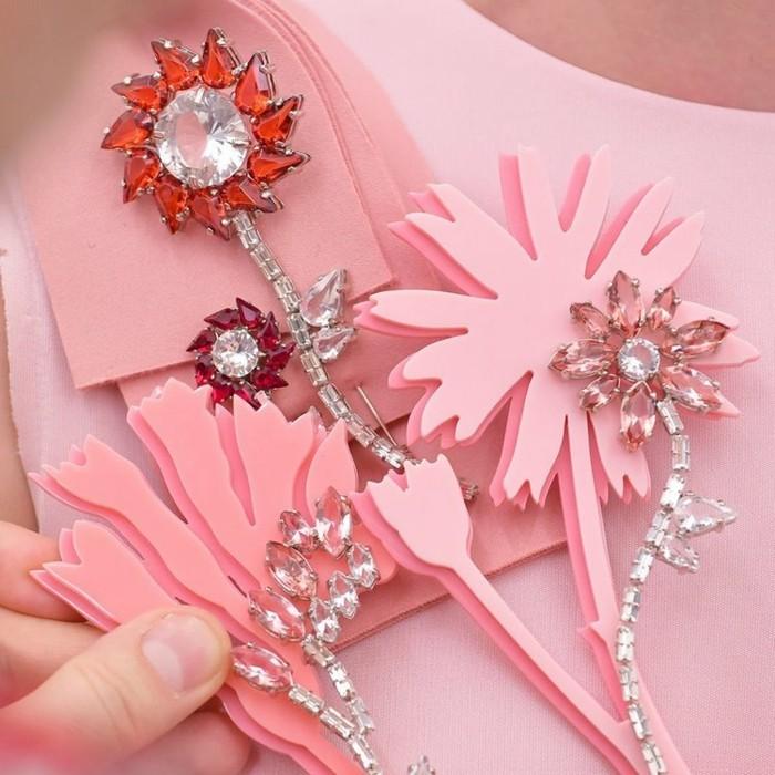 bijoux-tendance-fleurs-broches-aux-zirconiums-resized