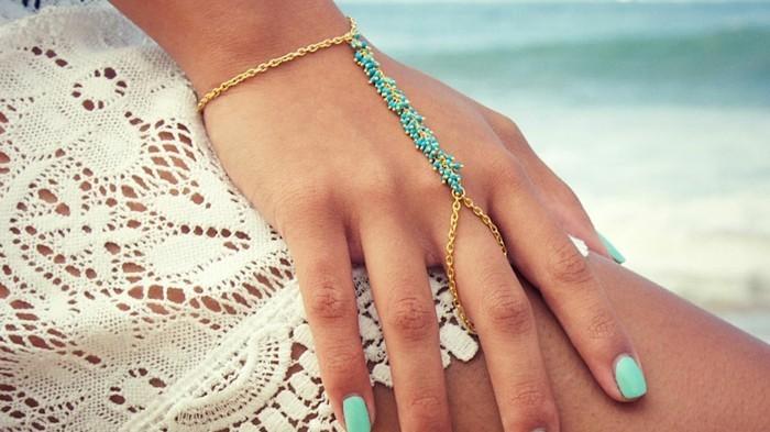 bijoux-tendance-pour-la-plage-en-turquoise-resized