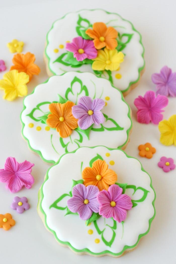 biscuit-de-noel-décoration-joli-idée-à-faire-fleurs-de-fondant