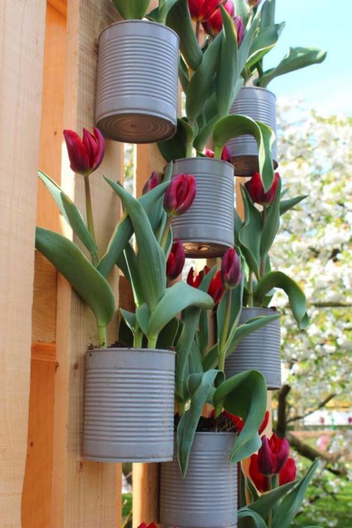 boîte-de-conserve-décoration-avec-boites-de-conserve-pour-l'extérieur