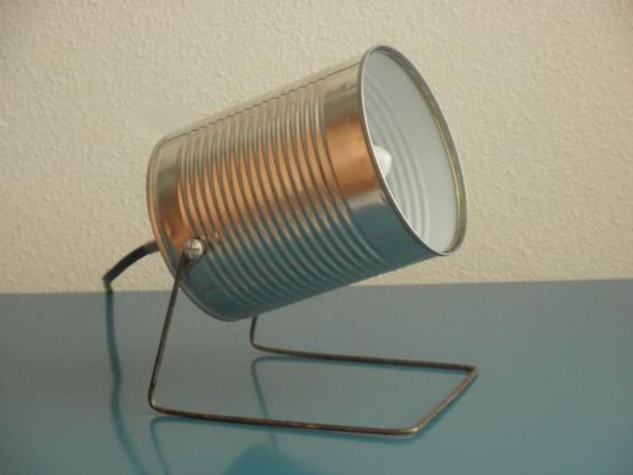 Qu est ce qu 39 on peut faire avec une boite de conserve la for Comment faire une lampe de chevet