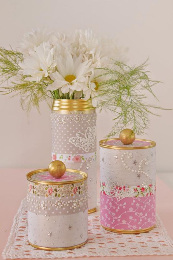 boîte-de-conserve-très-jolis-vases-et-conteneurs-pour-les-ingrédients-de-cuisine