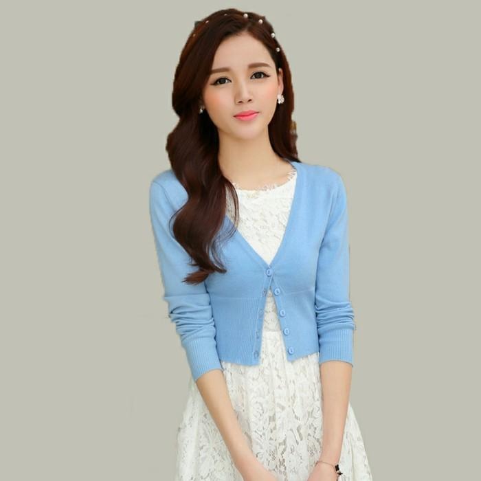 bolero-femme-style-poupee-bleu-pastel-avec-des-boutons-resized