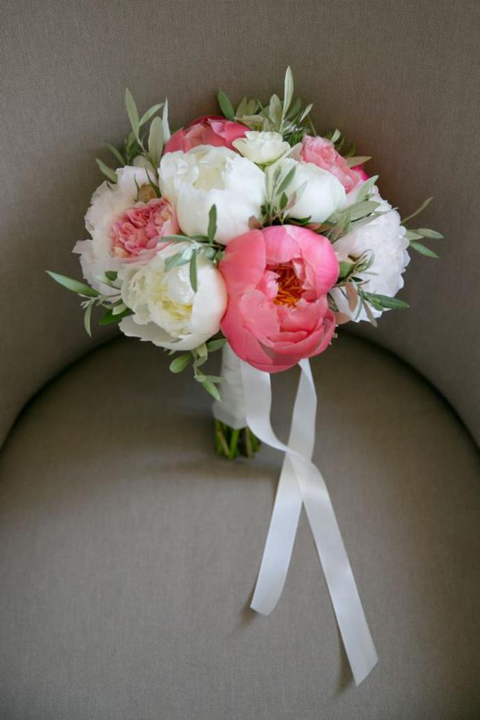 bouquet-de-pivoines-bouquet-de-mariée-rond