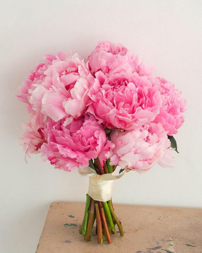 bouquet-de-pivoines-ouvertes-roses