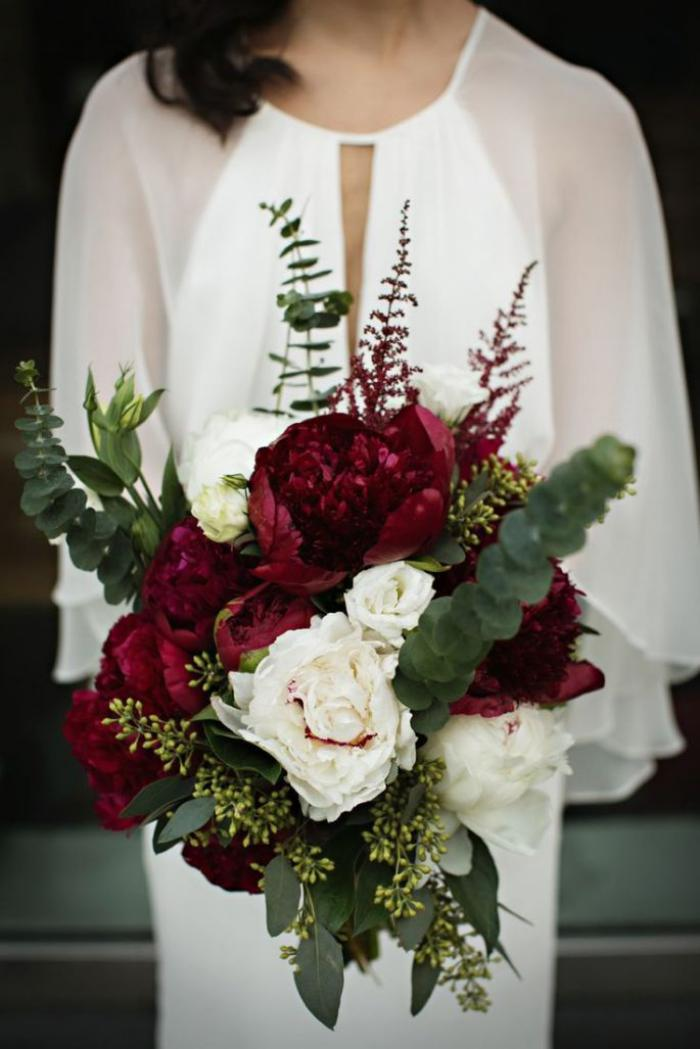 bouquet-de-pivoines-bouquet-rouge-et-blanc