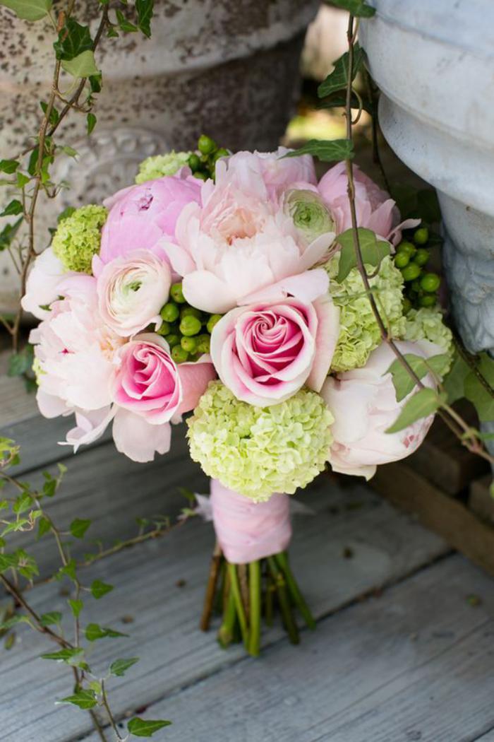 bouquet-de-pivoines-les-meilleurs-bouquets-de-mariée