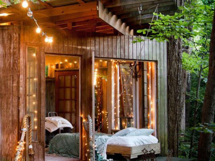 cabanon-de-jardin-aménagé-pour-dormir-en-plein-air