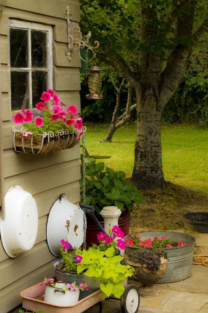 cabanon-de-jardin-le-côté-déco-des-cabanons-de-jardin