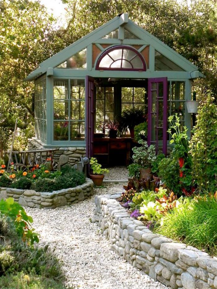 cabanon-de-jardin-pavillion-de-jardin-en-vert-et-lilas
