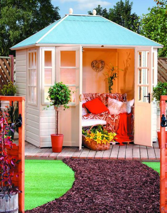 cabanon-de-jardin-petit-abri-de-jardin-pour-l'été
