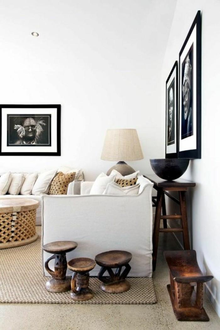canapé-maison-coloniale-intérieur-stylé-afrique-blanc-et-bois