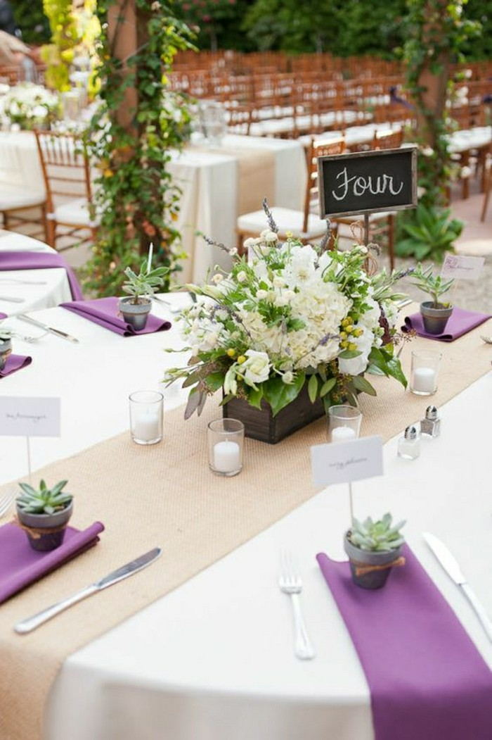 Comment d corer le centre de table mariage for Deco sejour prune