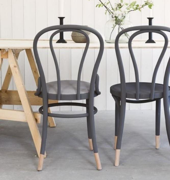 chaise-thonet-chaises-peintes-grises-chaises-thonet