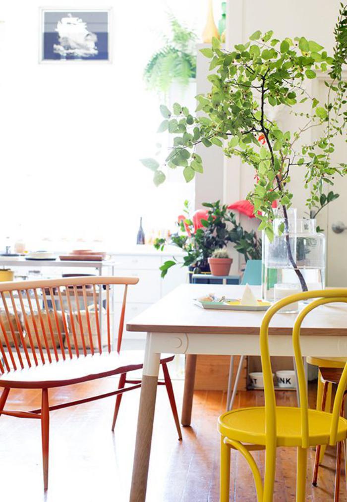 chaise-thonet-peinte-jaune-décor-chaise-thonet