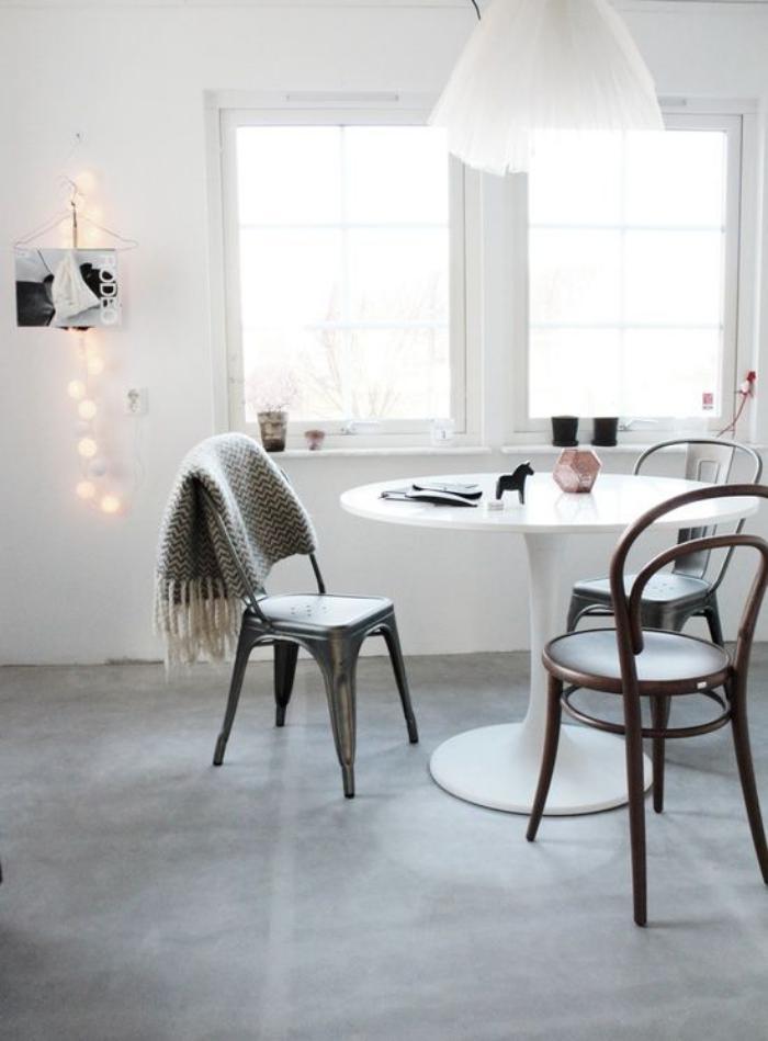 chaise-thonet-table-tulipe-chaise-tolix-industrielle